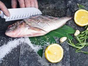 Bí quyết khử mùi tanh của hải sản